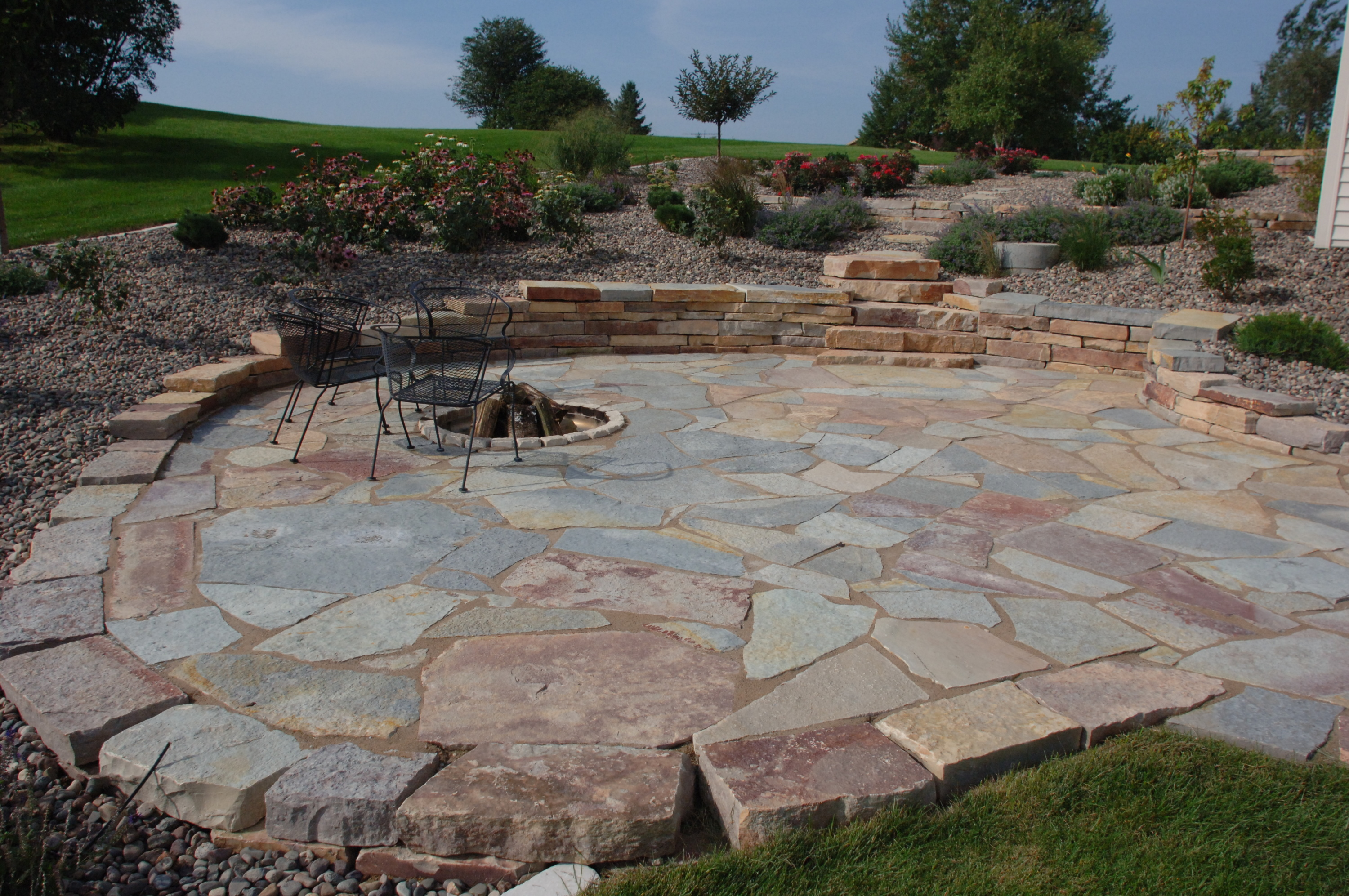 Chilton Flagstone Which Is Prized For Its Beautiful Lilacs Grays Blues Rust And Golden Browns Adds A Bold Splash Of Color To Your Landscape Project